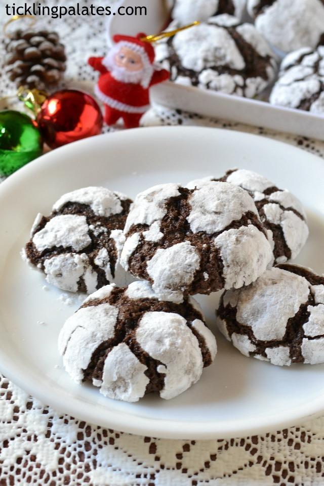 Chocolaty crinkle cookies